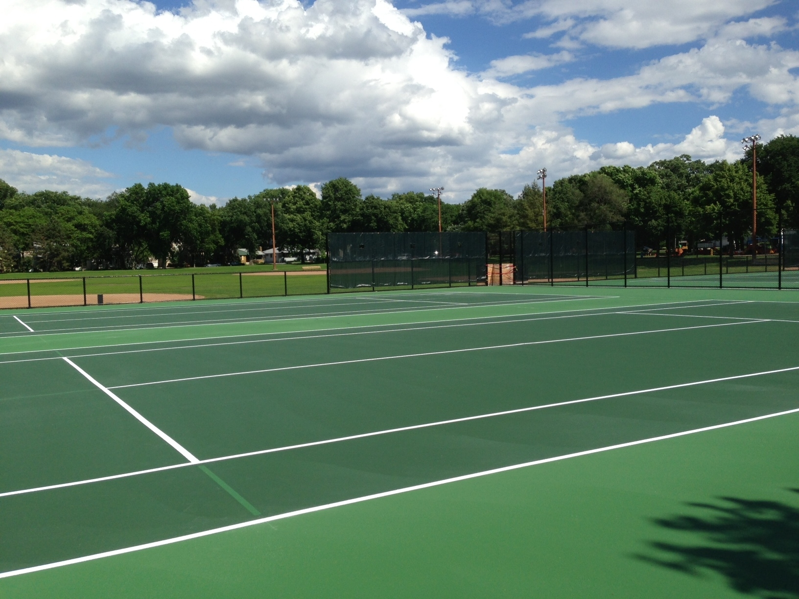 tennis courts at linden hills park
